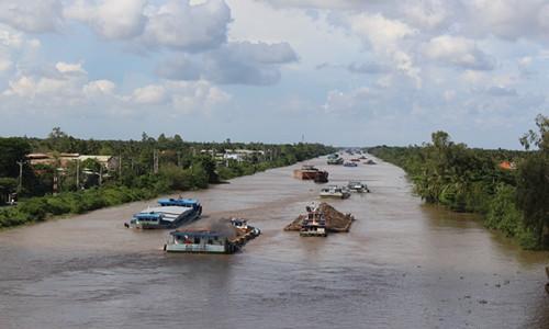 Đề xuất đầu tư 5.702 tỷ đồng phát triển 2 hành lang đường thủy và logistics phía Nam